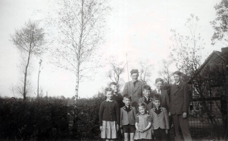 Geschwister, Großfamilie, kinder, Kindheit, trachtenjacke