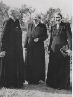 Drei Schwestern vom Lande