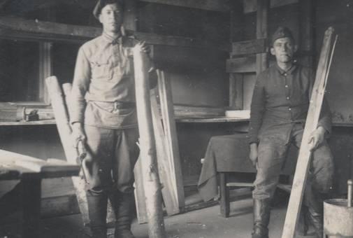 Soldat und Zimmermann