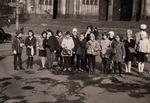 Schulklasse vor dem Kölner Dom