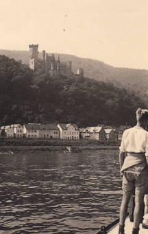Am Rhein mit Schloss Stolzenfe