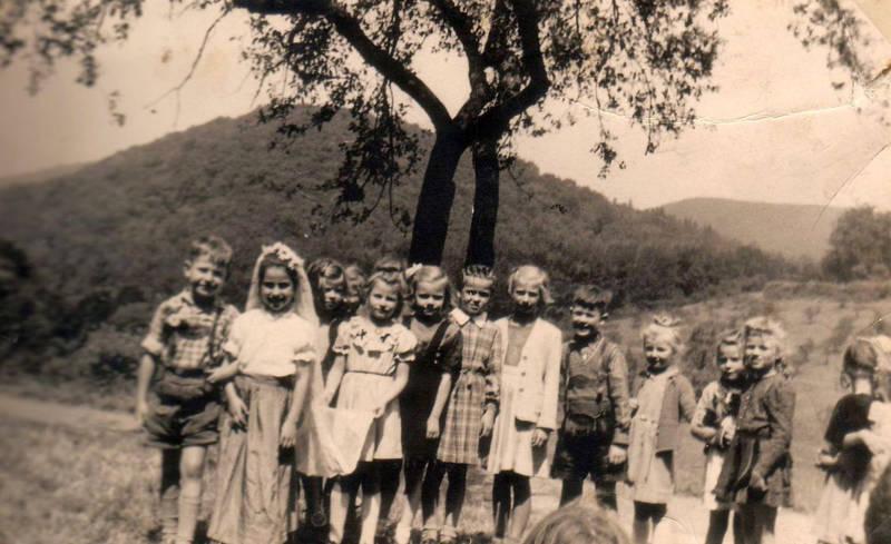 burghof, Drachenfels, Ev. Vollsschule königswinter, Gruppenbild, Karl-Schule, Klassenfoto, Königswinter, Vorführung