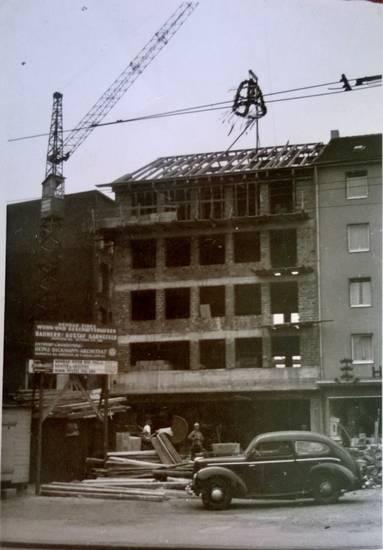 auto, Baukran, Baustelle, Kran, kranz, PKW, richtfest, richtkranz, wiederaufbau, Wupperfeld, Wuppertal-Barmen