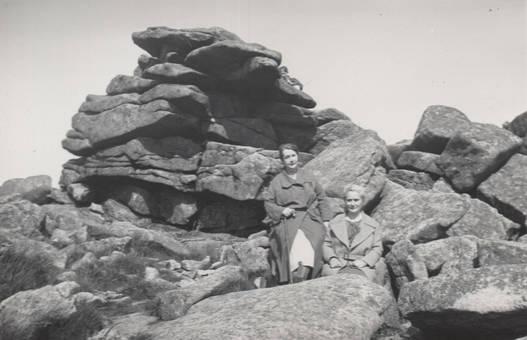 Zwei Damen auf dem Brocken