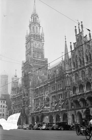 auto, Frauenkirche, KFZ, Marienplatz, münchen, PKW, Rathaus
