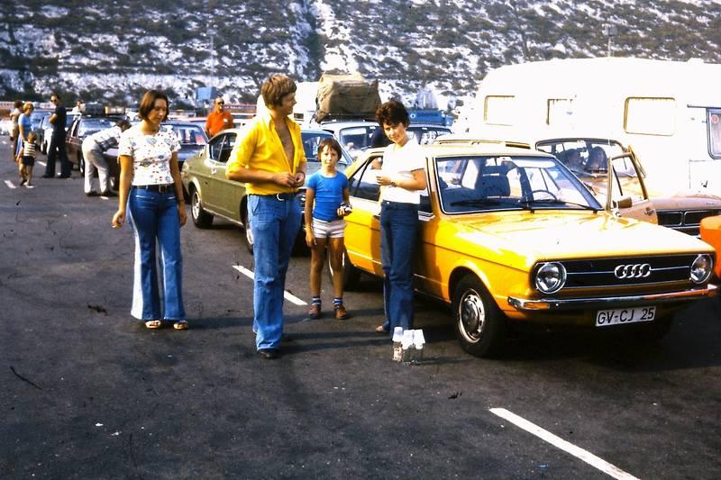Audi, audi-80, auto, Campingwagen, fähre, Fährfahrt, KFZ, mode, PKW, Rückreise, schlaghose, urlaub