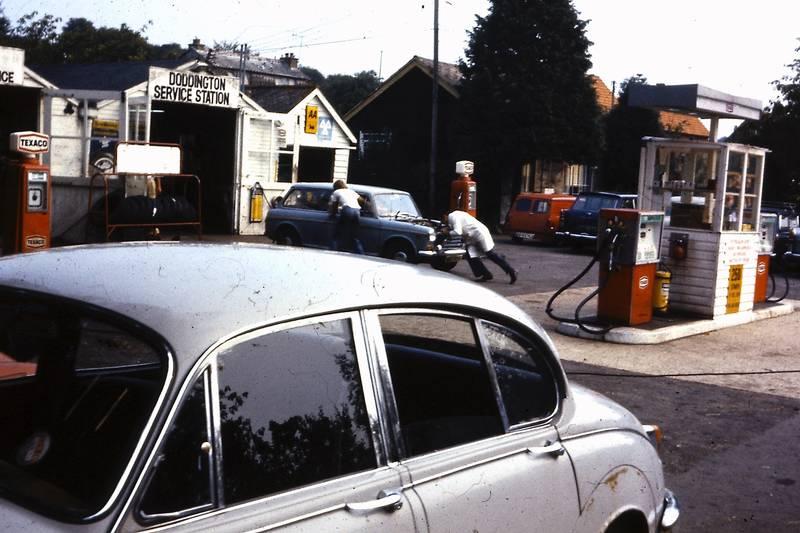 auto, Doddington, Doddington Service Station, jaguar, KFZ, mini-clubman, PKW, Tankstelle, texaco, Werkstatt