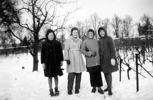 Freundinnen im Schnee