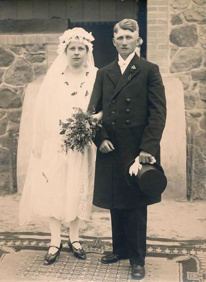 Blumenstrauß, Bräutigam, brautkleid, Brautpaar, halberstadt, Hochzeit, kleid, mode, schelier, zylinder