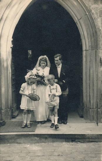 Blumenkind, blumenmädchen, Brautpaar, halberstadt, Hochzeit, Hochzeitspaar, kirche