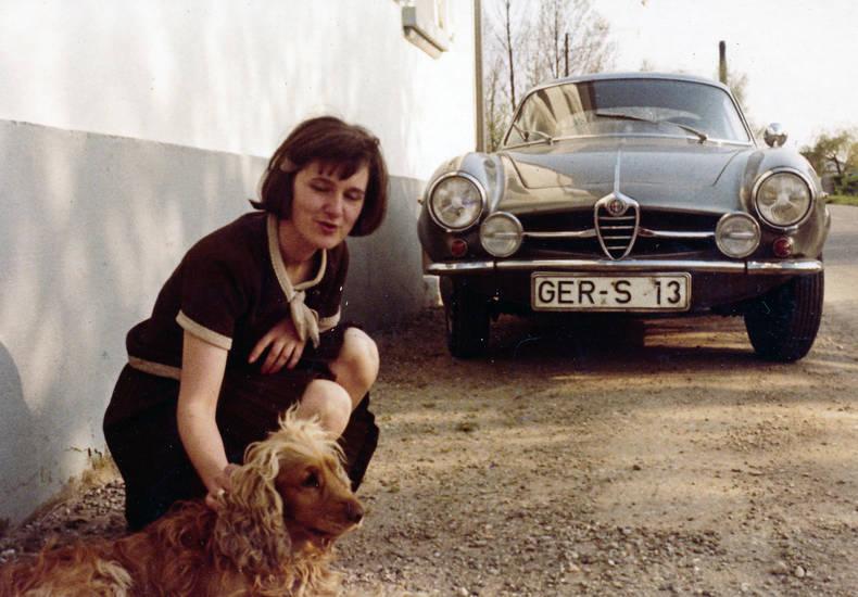 alfa romeo, Alfa Romeo Zagato, auto, hund, KFZ, PKW, streicheln, Zusatzscheinwerfer