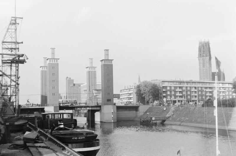 Duisburg, Hafen, Innenhafen, kirche, Kirchturm, salvatorkirche, Schwanentor, tor