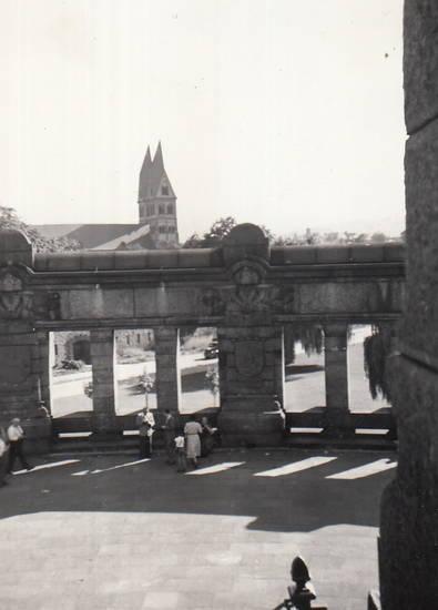 Kastorkirche, kirche, Koblenz, Kollonade, Reiterstandbild, Sockel
