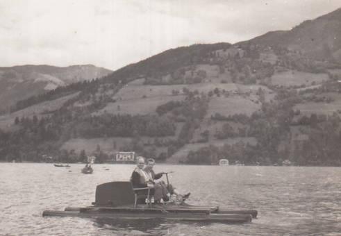 Tretbootfahrt auf dem Rhein