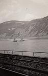 Schienen am Rhein