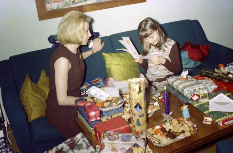 Bescherung, geschenke, Kerze, Plätzchen, Weihnachten