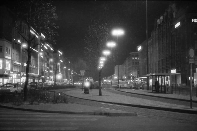 auto, Düsseldorf, heinrich-heine-allee, Heinrich-Heine-Platz, innenstadt, KFZ, PKW