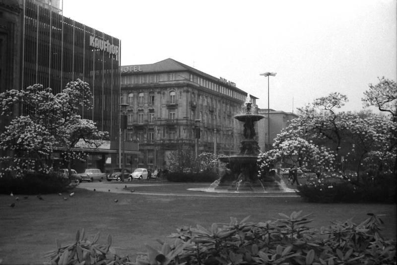 1963, corneliusplatz, Düsseldorf, Kaufhof, Parkhotel