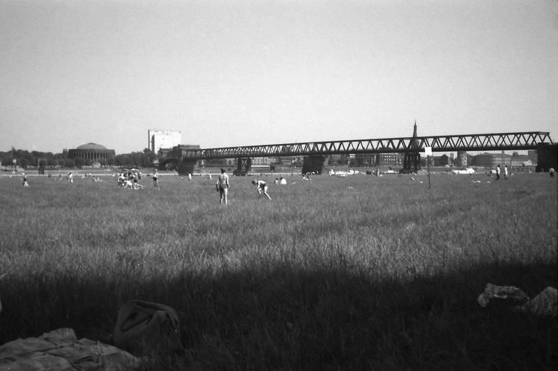 1961, dreischeibenhaus, Düsseldorf, Oberkasseler Brücke, Sommer, Tonhalle
