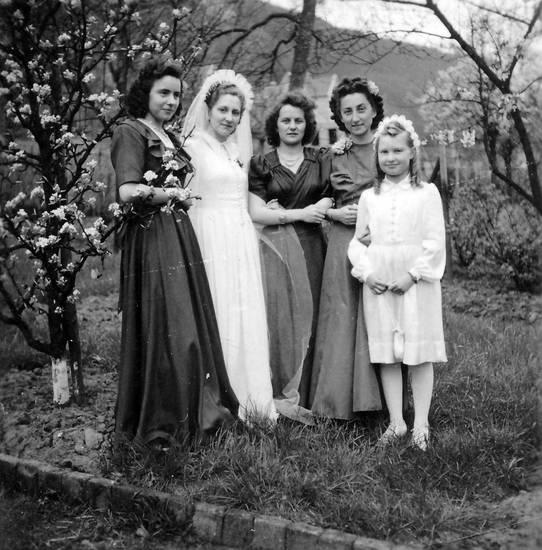 blumenmädchen, Braut, brautkleid, freundin, garten, Hochzeit