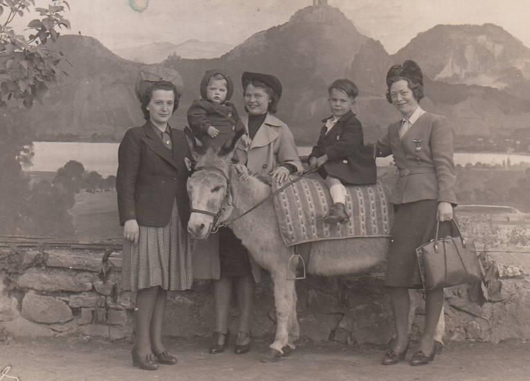 Drachenfels, Esel, Gemälde, Handtasche, hut, reiten, rock