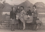 Gruppenbild mit Esel