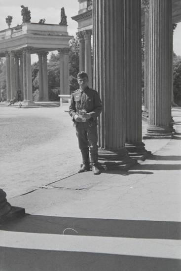 ehrenhof, Kolonnade, sanssouci, soldat, Wehrmacht