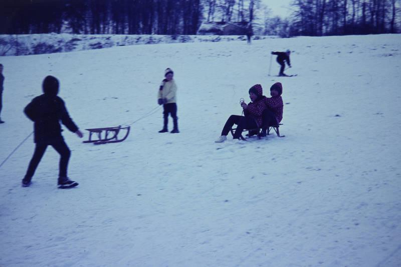 kind, Kindheit, rodeln, schlitten, schnee, Spaß, spielen, winter