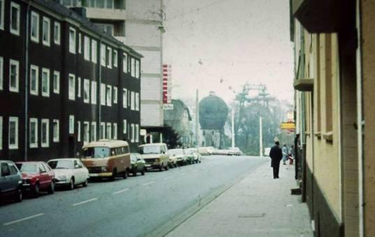 Hüttenstraße 12