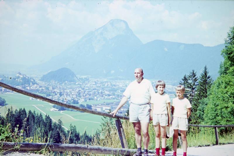 Alpen, Berg, dorf, familie, ferien, Geschwister, Kindheit, Kufstein, mode, Österreich, partnerlook, reise, stadt, Tirol, urlaub, wandern
