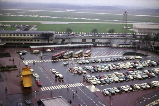 Flughafen Parkplatz