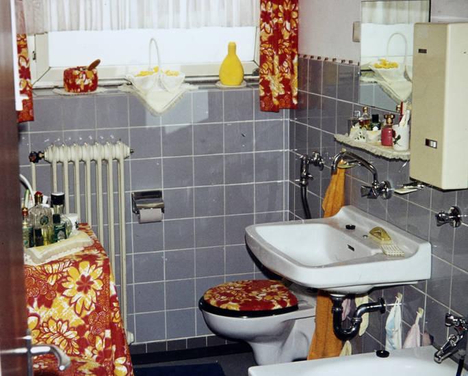 Bad, badezimmer, Muster, retro, toilette, vorhänge, Waschbecken