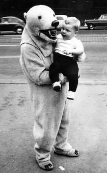 Eisbär mit Kind