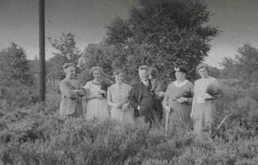 Gruppenbild im Feld