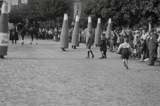 Weinflaschen auf der Straße