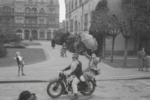 Motorrad im Karneval
