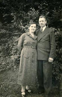 Paar im Wald