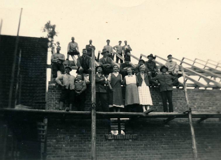 BAuarbeiten, Baustelle, Dach, Dachstuhl, familie, familienfoto, haus, Hausbau
