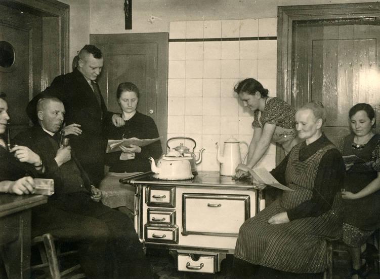 familie, Herd, Kittel, Küche, Lesen, Ofen, rauchen, Teekessel
