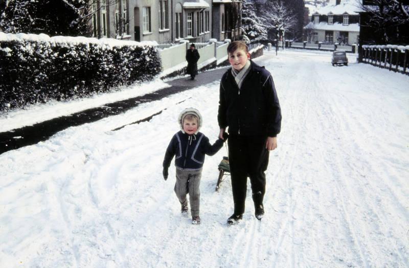 Kindheit, mode, schlitten, schnee, winter