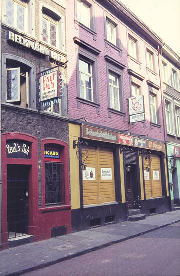 Beckmann Bier, Düsseldorf, Gaststätte, kneipe, Paul's Pub, schaukelstühlchen, schlösser alt