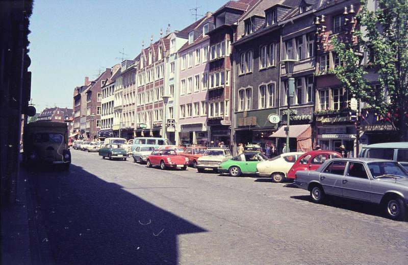 auto, bmw-02, citroen-2cv, Düsseldorf, Ford-Transit, fuchs-felgen, haus, kadett-b, KFZ, marktstraße, mercedes-w116, PKW, Porsche, porsche-911, straße, Targa, VW-Bulli, VW-Typ-3
