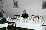 Allein am Tisch