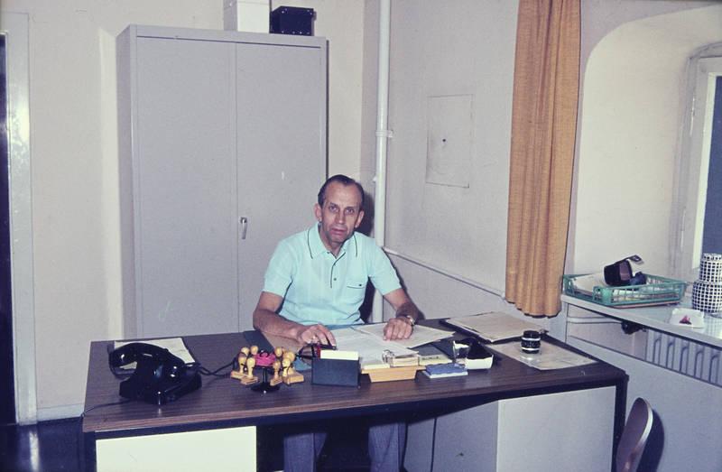 arbeit, arbeiten, Arbeitsplatz, büro, schreibtisch, stempel, telefon, W48