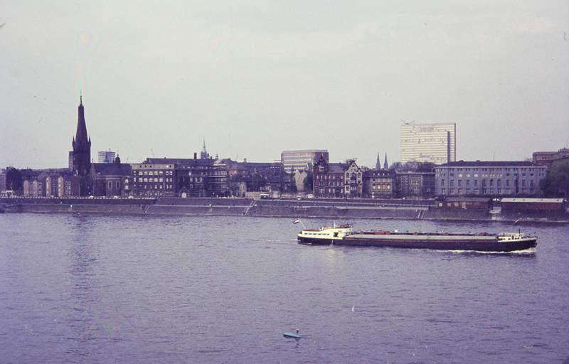 dreischeibenhaus, Düsseldorf, kirche, Kirchturm, Rhein, schiff, St. Lambertus