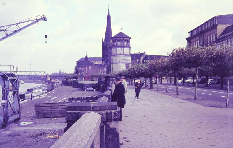 Behelfsbrücke, brücke, burgplatz, Düsseldorf, Kirchturm, Promenade, Rhein, Rheinufer, rheinuferpromenade, Schlossturm, St. Lambertus