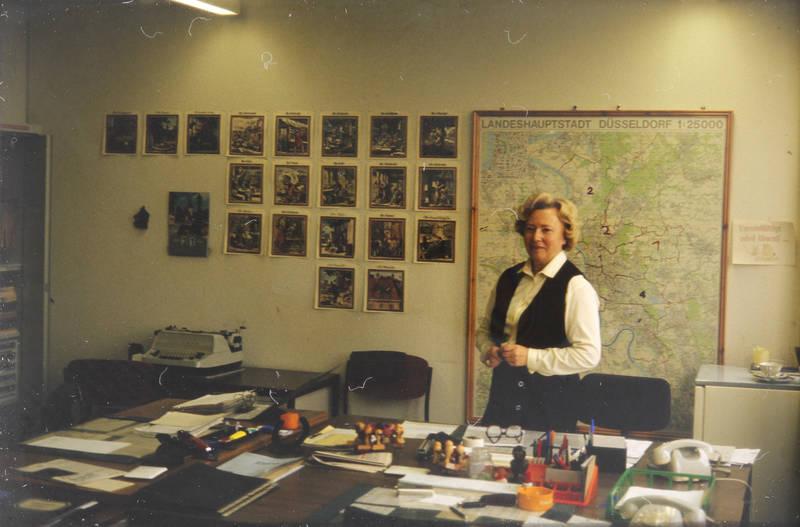 arbeit, Arbeitsplatz, büro, Düsseldorf, Karte, schreibmaschine, schreibtisch, stempel