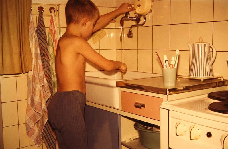 Handtuch, Herd, Küche, Ofen, Waschbecken, zahnbürste, zahnputzbecher