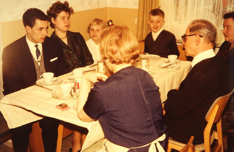 Esszimmer, familie, Geschirr, kaffee, Küche