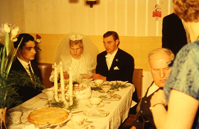 Braut, Bräutigam, brautkleid, Hochzeit, Hochzeitsfeier, Kerze, kuchen, schleier